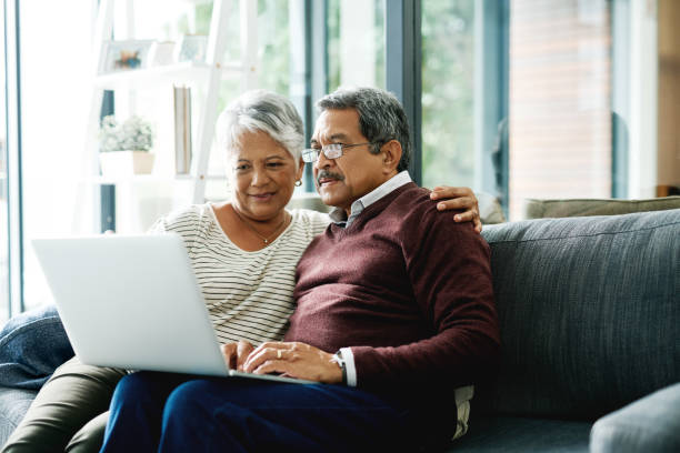 How Home Care Providers Can Use Technology to Stimulate Your Aging Parents' Minds