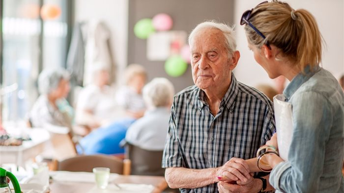 How to Adapt Daily Activities for a Loved One with Dementia