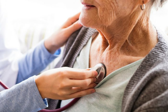 4 Common Illnesses Among Seniors, and How to Care for Them
