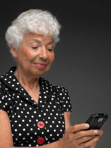 Low-Cost and Free Cell Phone Options for Seniors