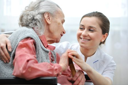 Questions to Ask Before Hiring a Home Health Aide